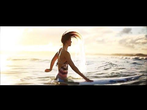 Disguised in Nature | Bianca & Johanne Surfing Australia