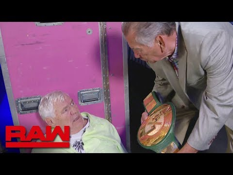 WWE Raw: Reunion was mixed in well with the modern era