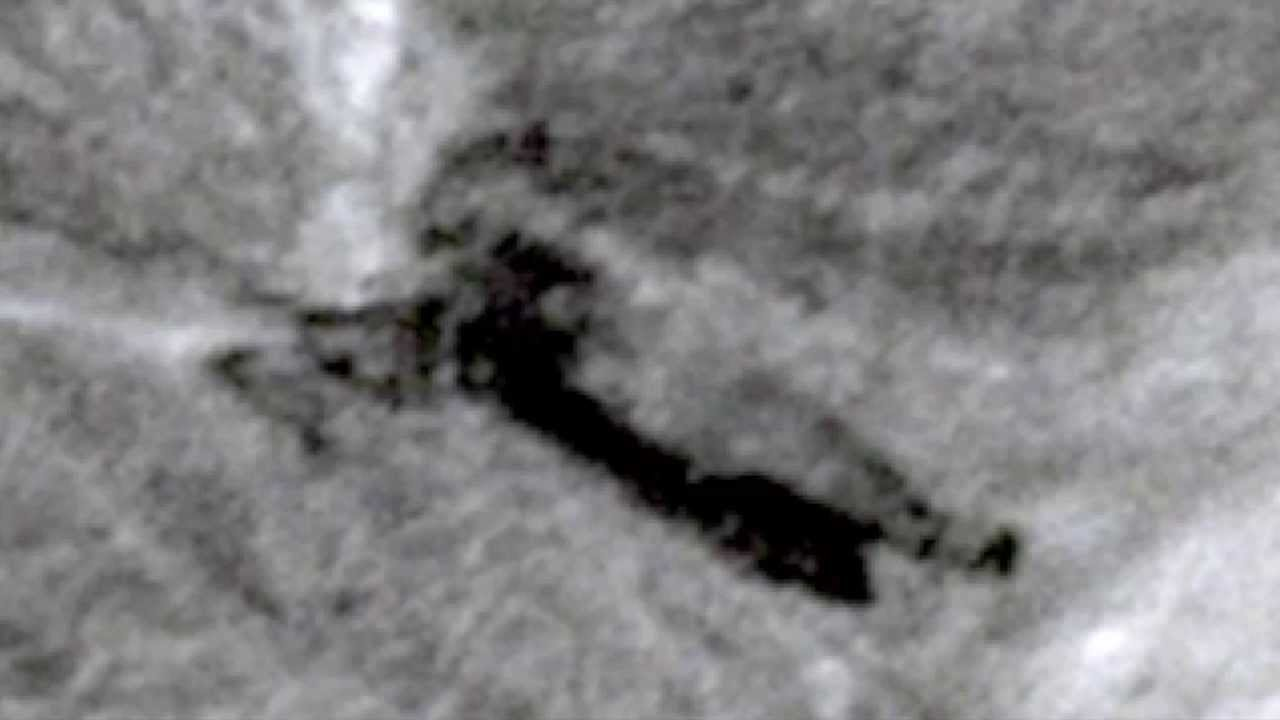 Alien Craft Crash On Moon