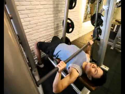 Gerakan Latihan Otot Dada - Barbell Bench Press