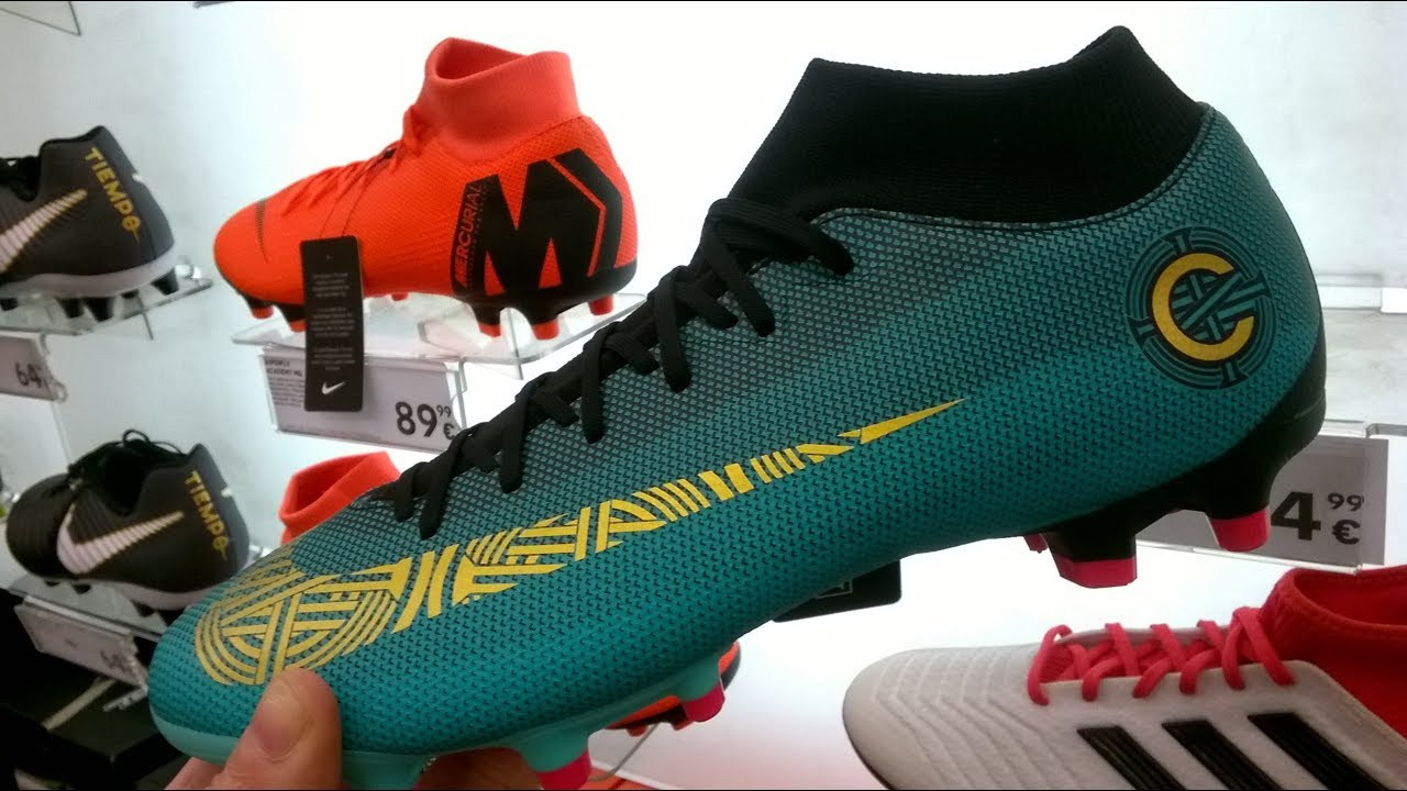 sneakers for cheap 42c5f f84b6 Nike Mercurial Superfly VI Academy CR7 MG