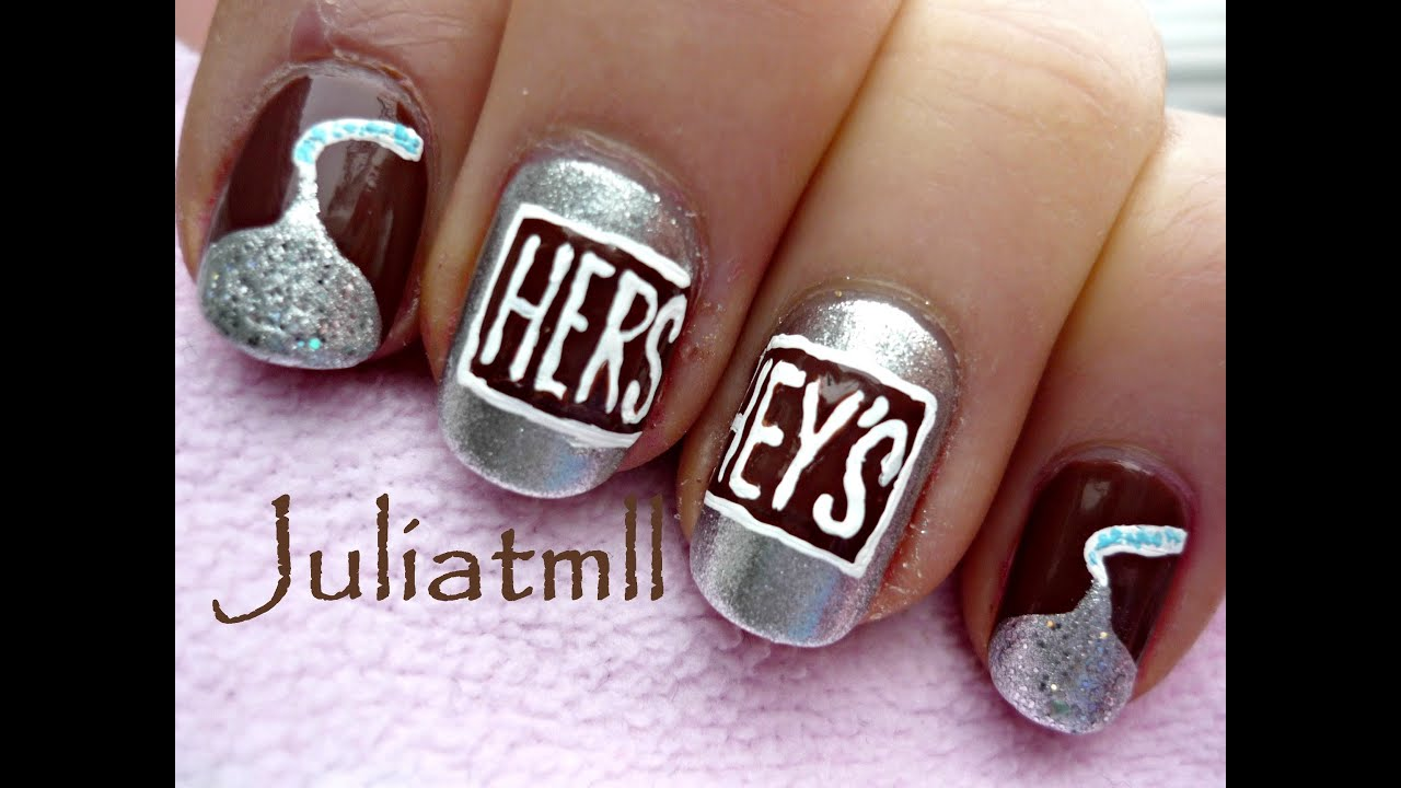 Chocolate Hershey\'s Kisses Nail Art - YouTube
