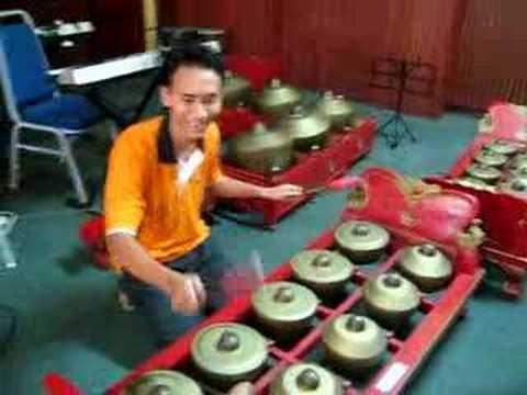 gamelan tradisional music (togok)