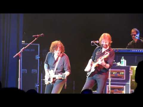 """""""Play Something Country"""" Ronnie Dunn Seaworld 2012"""