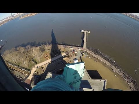 ⁴ᴷ Statue Of Liberty Top Of Pedestal And Crown Filmed On GoPro