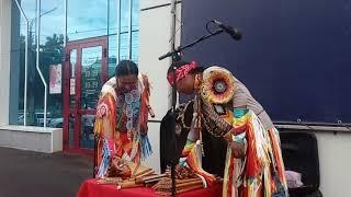 Yarik Ecuador   White Arrows.Индейские флейты. Красивая музыка.