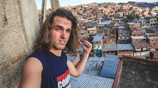 Entramos en PETARE, el barrio más peligroso de VENEZUELA thumbnail