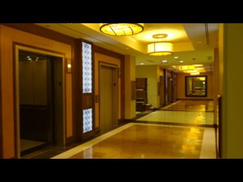 Mini tour at Rivercenter Marriott Hotel with all 3 banks of Westinghouse elevator