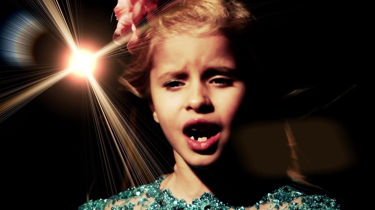 Download Cat Sonnya - Stea printre stele mama mea (Official Video)