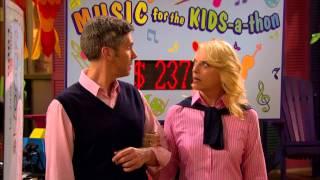 Смотри Disney - Остин & Элли (Сезон 2 Серия 4) Родители, репрессии