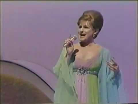JIM BAILEY performs classic Barbra Streisand