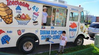 Zack Buy  Ce Cream From  Ce Cream Truck