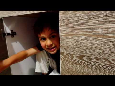 Elis ve Mikail evdeki inanılmaz macerası. Çocuk videosu