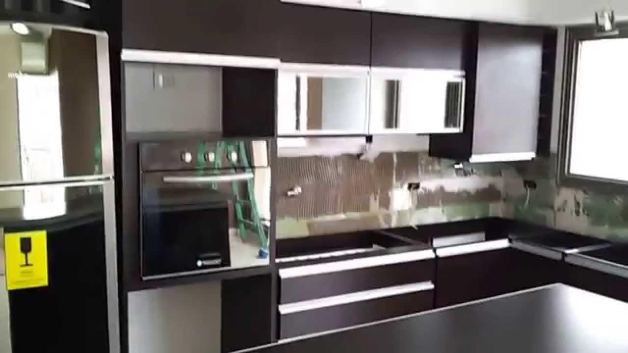 Remodelamos tu cocina roble moro barra desayunador for Cocinas con desayunador