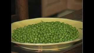 Eating Difficult Foods _ Peas