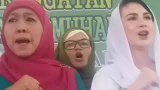 Menyanyikan Yalal Waton Khofifah Indar Parawansa Menangis.