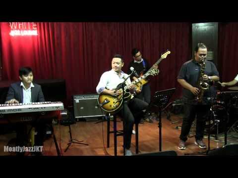 Ari Pramundito - I Think of You @ Mostly Jazz 11/04/14 [HD]