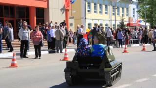 Су -76 9 мая 2014г.(Мини танк на параде в Реутов., 2014-05-18T08:33:31.000Z)