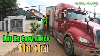 Lùi xe container vào bốc hàng vựa Thanh Long - Phan Thiết | Xe Đầu Kéo Vlog #30