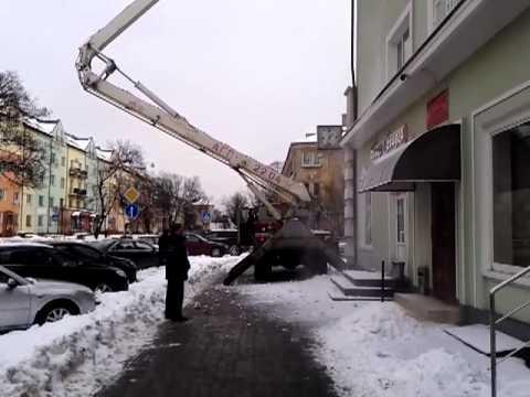 Калининград Комунальшики чистят снег
