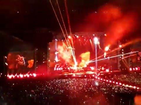 Clocks - COLDPLAY en Lima (05-Abr-2016) Estadio Nacional