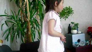 Fem små apor by Vanessa Szalai