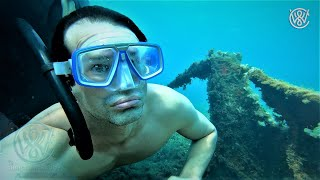 CHRISTIAN WEDOY FREEDIVING ON A WRECK