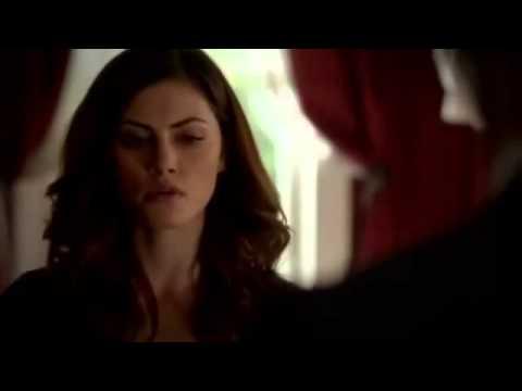 Download The Originals 1x01 Elijah talks to Hayley about being pregnant, Klaus arrives