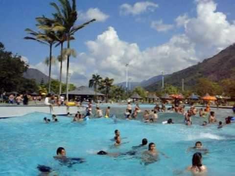Piscina de olas y r o lento en parque de las agua youtube for Piscina de olas