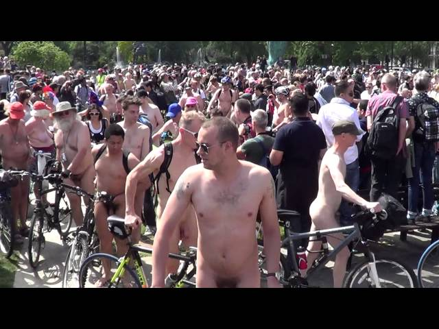 World Naked Bike Ride London 08-06-2013 -01