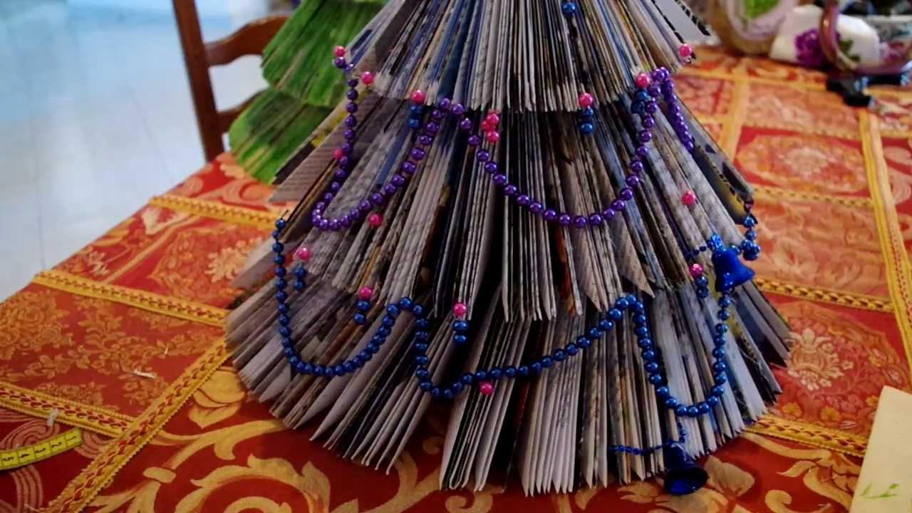 Albero di natale con un libro christmas tree with a book - Contorno di un albero di natale ...
