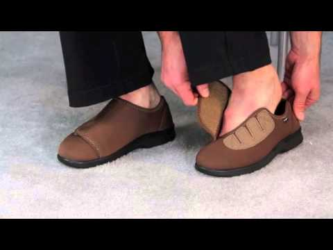 336a9787a2fd Propet Cush N Foot Men s Slipper - M0202 - YouTube