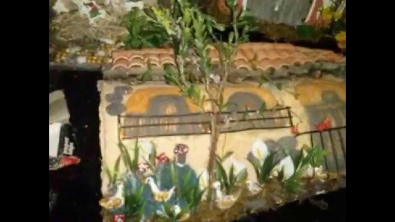 Tejas decoradas en alto relieve youtube for Puertas de tejas decoradas
