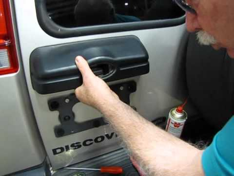Land Rover Discovery I  II Tailgate Handle Troubleshooting - YouTube
