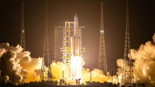 China launches historic space …