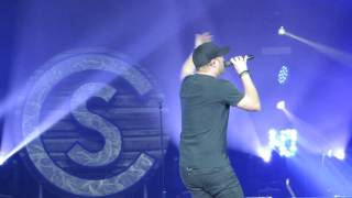 "Cole Swindell ""Middle Of A Memory""  Live @ The BB&T Pavilion"