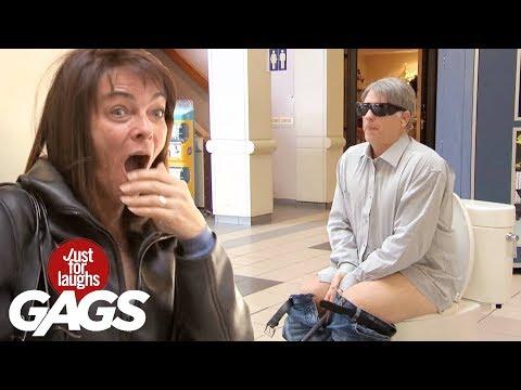 Mejores Bromas - Ciegos van al baño en público