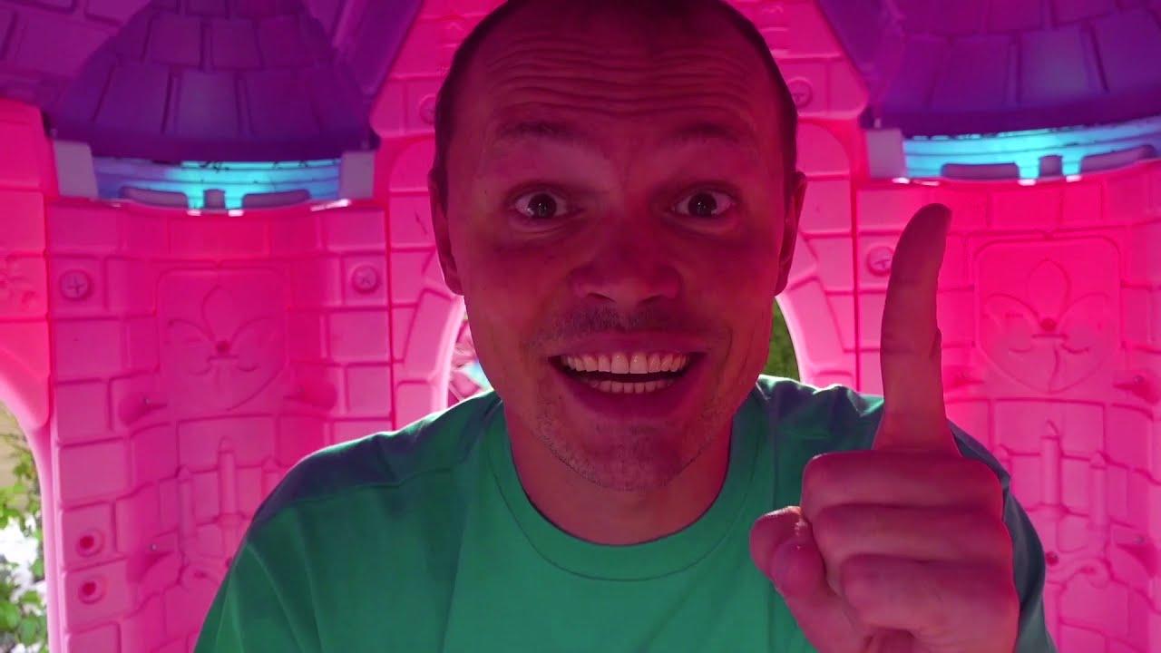 Катя и Макс их насекомые