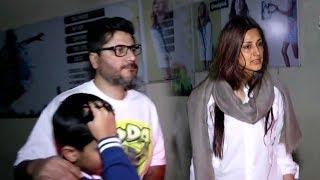 Sonali Bendre's Family Breaks Down Outside Hospital- Husband Goldie Behl & Son Ranveer