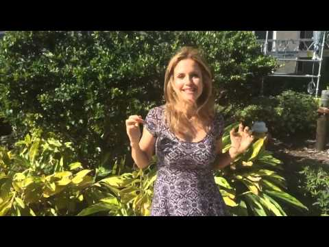 Kelly Preston Does The ALS Ice Bucket Challenge