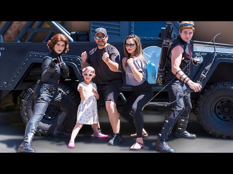 We met Black Widow & Hawkeye together! + Captain Marvel & Black Panther meet & greets!