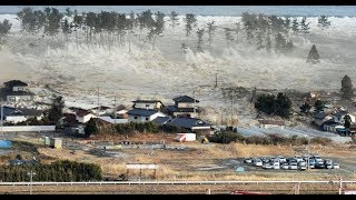 Massive Tsunami Hits Indonesia 2018 & What You Should Do If You Are Caught In One