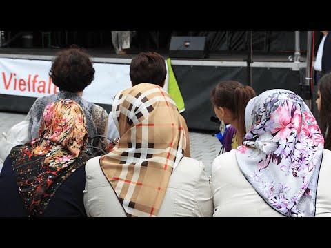 fpÖ-tv-magazin-16.10.2014---asylmissbrauch-in-Österreich