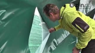 Vandal rozřezal nafukovací tenisovou halu