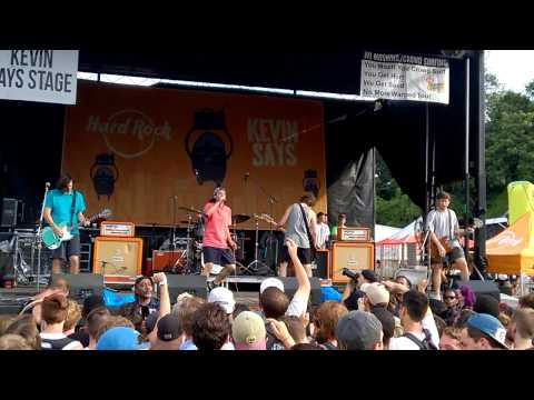 Knuckle Puck - But Why Would You Care (Live @ Warped Tour Atlanta)