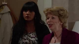 Debbie Returns To Emmerdale With The Kids - Emmerdale