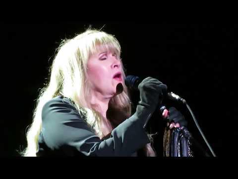 """Fleetwood Mac - """"Storms"""" - Van Andel Arena, Grand Rapids, MI - 10/08/18"""
