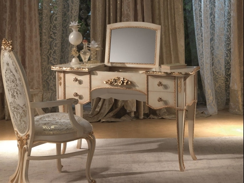 Antique Bedroom Vanity With Mirror Design Ideas