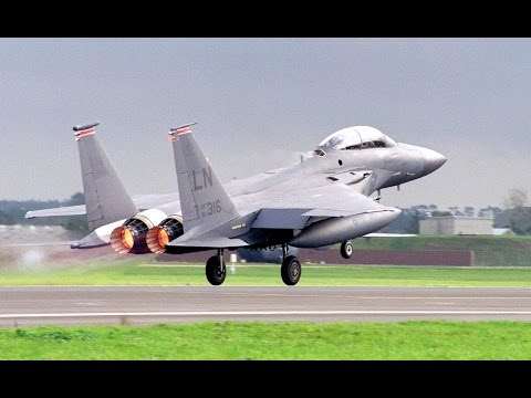 F-15 Eagles Scrambled With Afterburner During Airshow (Short Version)