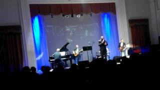 Концерт Клива Джонса!